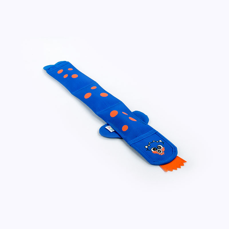 toy_dog_fire-hose_blue